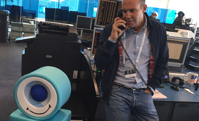 Johnny Vaughan and Sinitta hit the phones to Make Some Noise at GFI's Charity Day