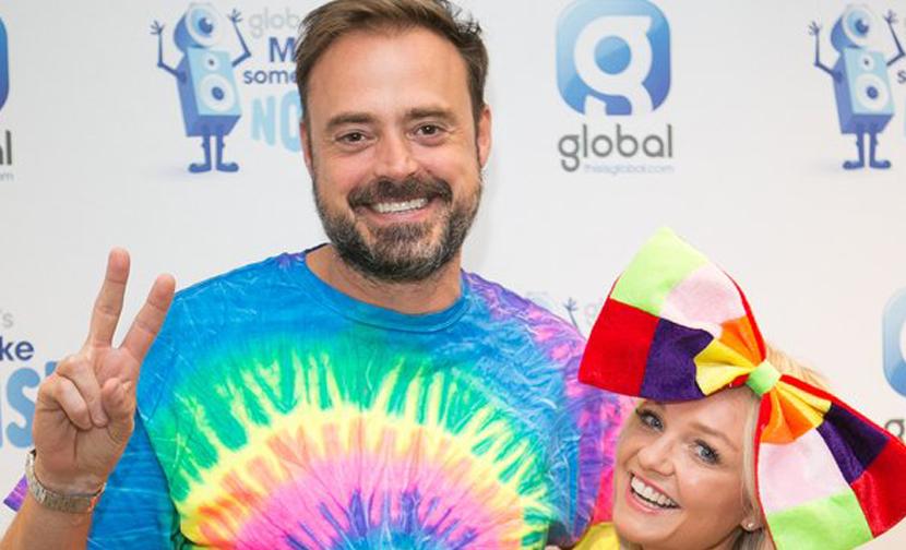 Jamie & Emma uncovered the ULTIMATE DRESS LOUD selfies